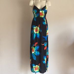 Max dress Backless NWT